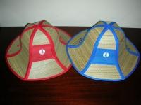 Городские сувениры — соломенные шляпы